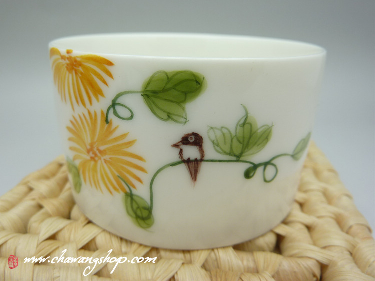 "Hand Painted Bucket Cup ""Chrysanthemum"" 95cc"