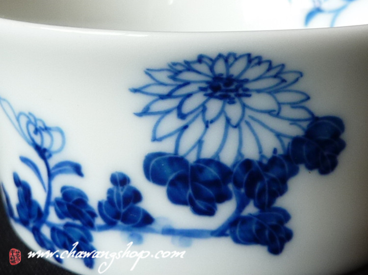 jindezhen cup with chrysanthemum