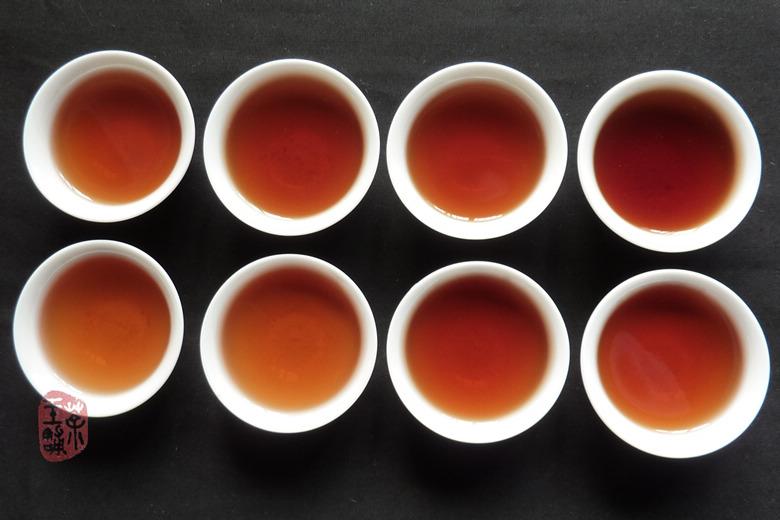 2005 Yunnan Yunhai Tsi Tse Bing Cha Ripe Puerh Tea 357g