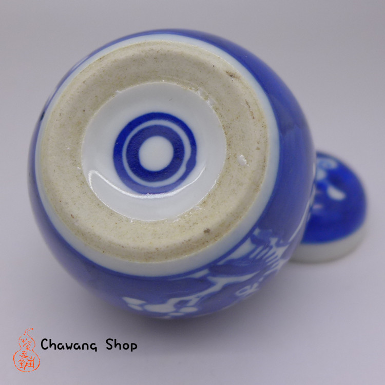 "Jingdezhen Vintage Hand-painted Tea Caddy ""blue-and-white ice plum"""