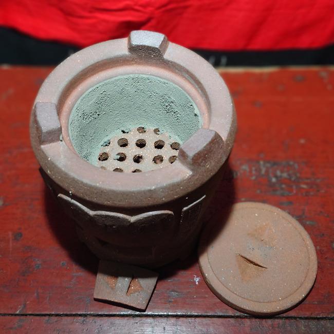 """Chaozhou """"Lu Shi Lu"""" Clay Stove 15cm"""