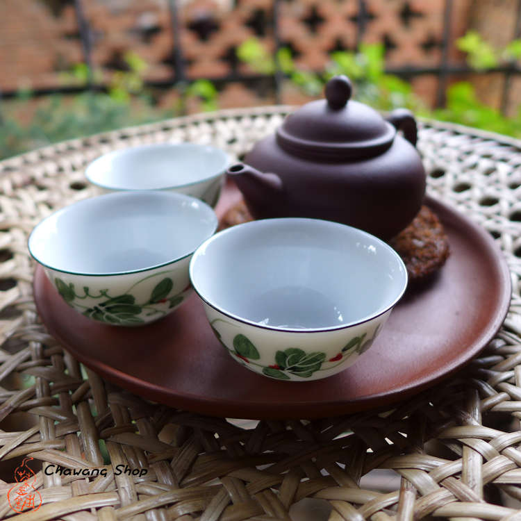 "Chaozhou Gongfu Tea Cups 20ml ""Vines"" - a set of three"