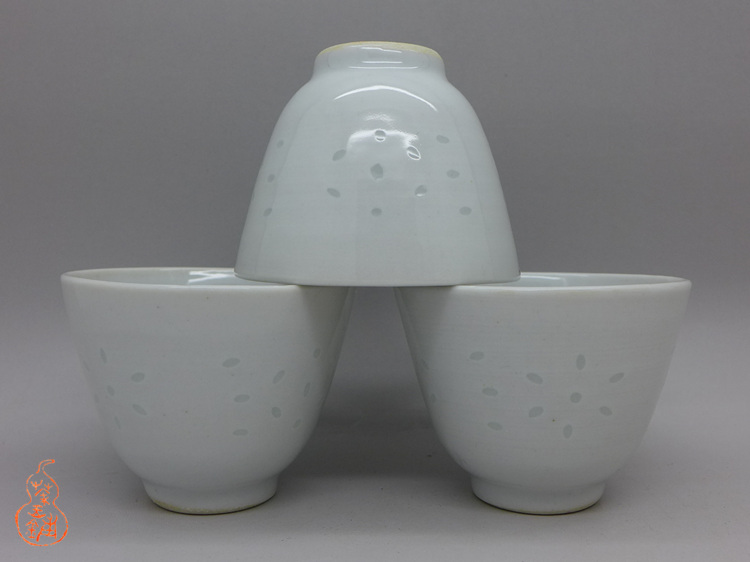 "Jingdezhen Vintage Tea Cup ""White Ling Long"" 50ml"